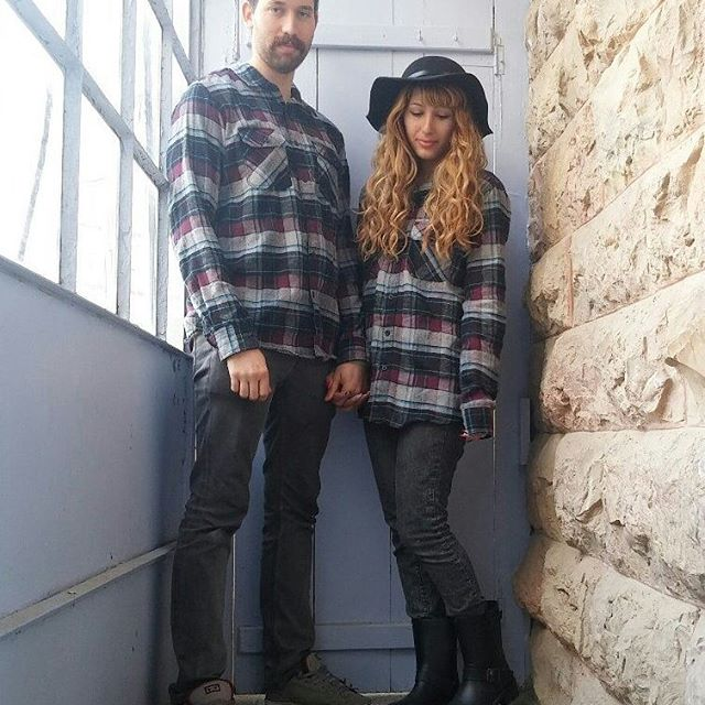 Photo shared by ジョージ🐥 on January 18, 2016 tagging @arva4life, and @urbanica.israel. Image may contain: 2 people, people standing and shoes